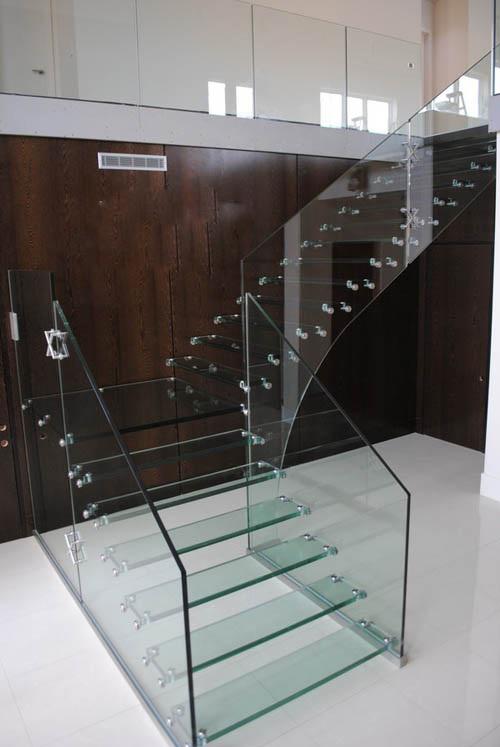 10 mẫu lan can kính cầu thang đẹp cho ngôi nhà hiện đại