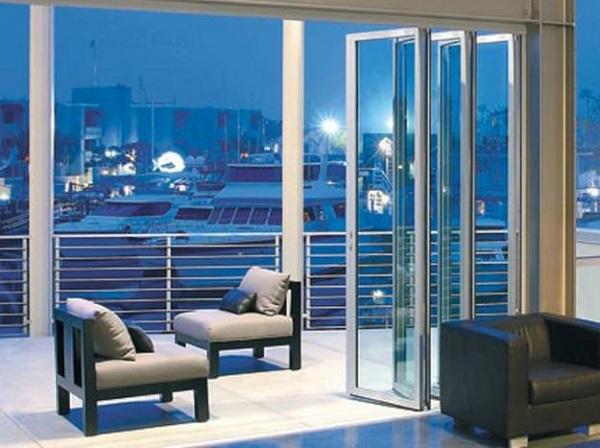 4 nguyên tắc chọn cửa nhôm kính cho phòng khách của bạn