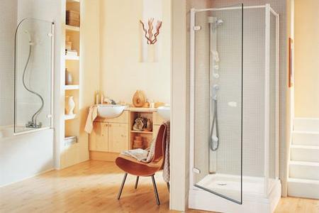 Loại cửa nào phù hợp cho phòng tắm kính?