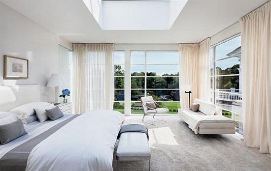 Mở rộng không gian phòng ngủ chỉ với cửa nhôm kính