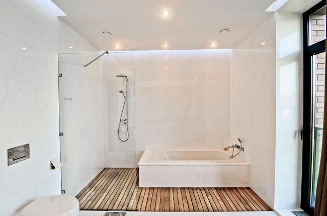 Làm mới không gian phòng tắm đứng kính cường lực