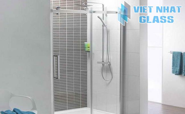 Phòng tắm kính cường lực 11
