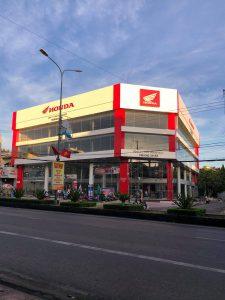 Thi Công Kính Việt Nhật Honda Hoàng Nhật 6